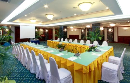 Khun Tanit Room (40-80 paxs) 1